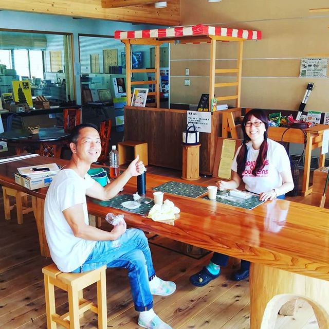 木育カフェ@那賀町林業ビジネスセンター本日オープン那賀町特産の「番茶」を使ったチャイやアイスを楽しめます!今は第二・第四木曜日と第三日曜日の限定オープンです。木に囲まれてるからか快適です(^^)涼みに是非お越しくださいね~! #木育#cafe #カフェ #tokushima #woodaction #木づかい